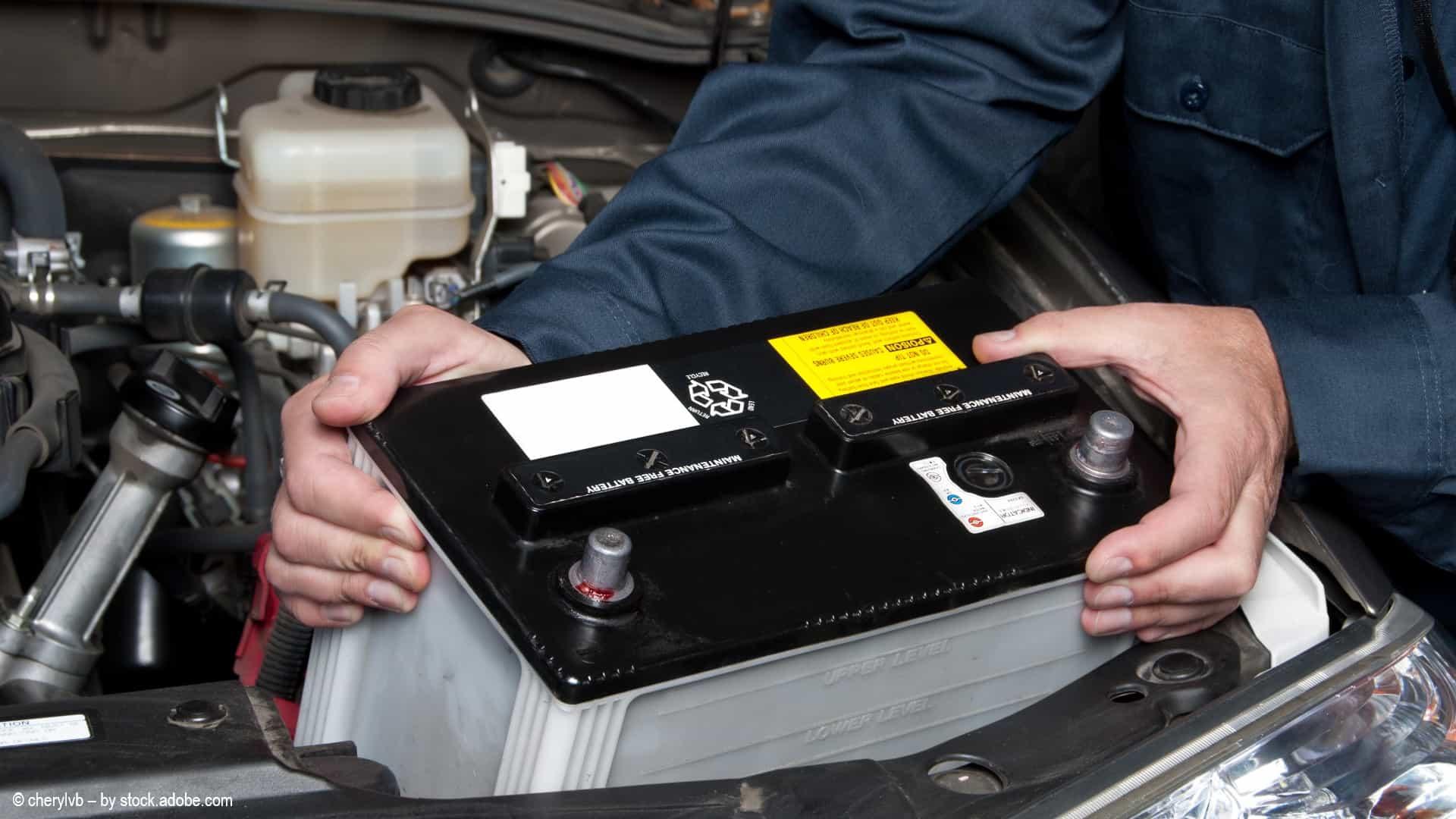 Guide: Autobatterie wechseln
