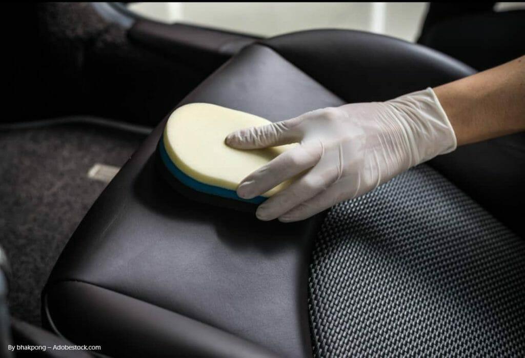 Ein Leitfaden zur Reinigung von Autopolstern