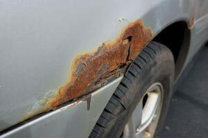 Fünf effektive Tipps, um die Bildung von Rost an Ihrem Auto zu stoppen