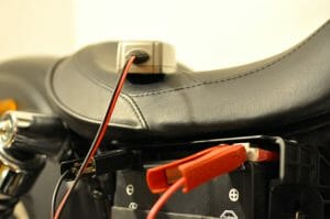 Motorradpflege - Motorradbatterie warten