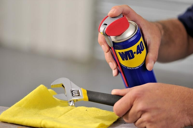 Werkzeug reinigen mit WD-40
